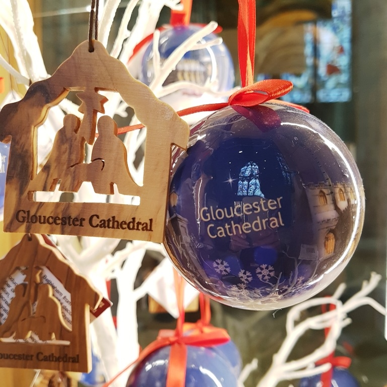 Christmas Carol Singers Ornaments.Carols On The Hour And Christmas Market At Gloucester
