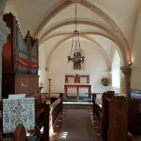 Picture of the interior of a church
